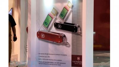 victorinox - flash drive de 1 TB
