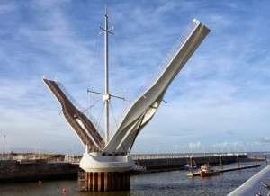 Podul Foryd Harbour, Marea Britanie